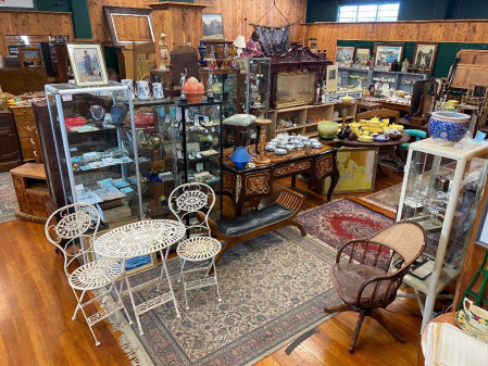 ESTATE & COLLECTABLES AUCTION On Site & Live Online Sunday September 26th at 11am Catalogue Available on Monday 20th