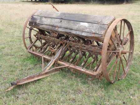 ANTIQUES COLLECTABLES,PADDOCK AUCTION 4/07/2020 10am To be held onsite at 50 Malling Road, Redwood Valley, Nelson. VIEWING STRICTLY Friday 3rd 10am till 4pm and morning of Auction from 8.30am