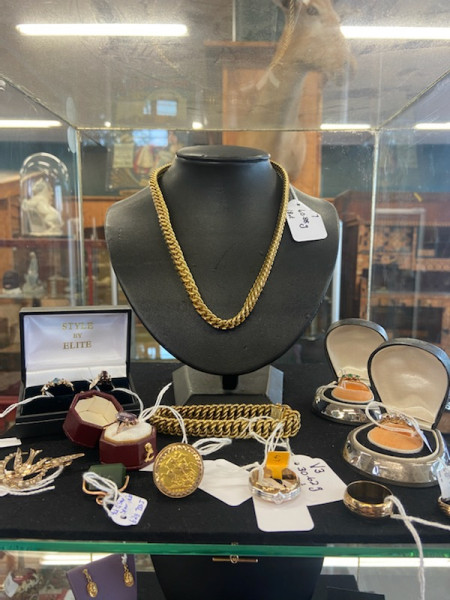2 Day Onsite & Online ANTIQUE & ESTATE JEWELLERY AUCTION THURSDAY DECEMBER 3RD FRI DEC 4TH at 4pm